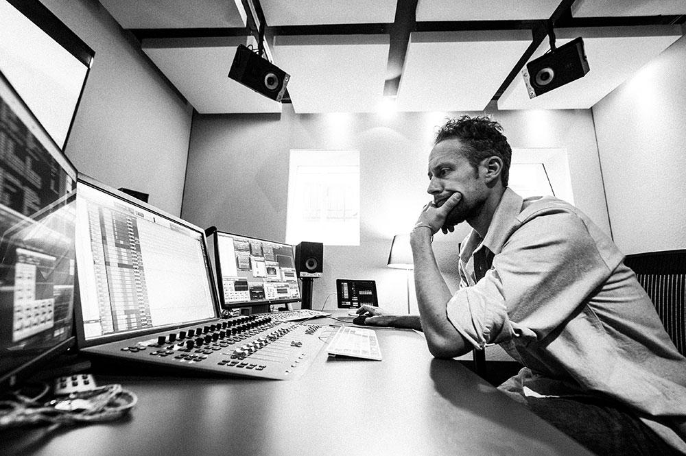 Bernhard Zorzi Sound Designer & Sound Editor Blautöne - Audio Postproduktion Tonstudio Wien