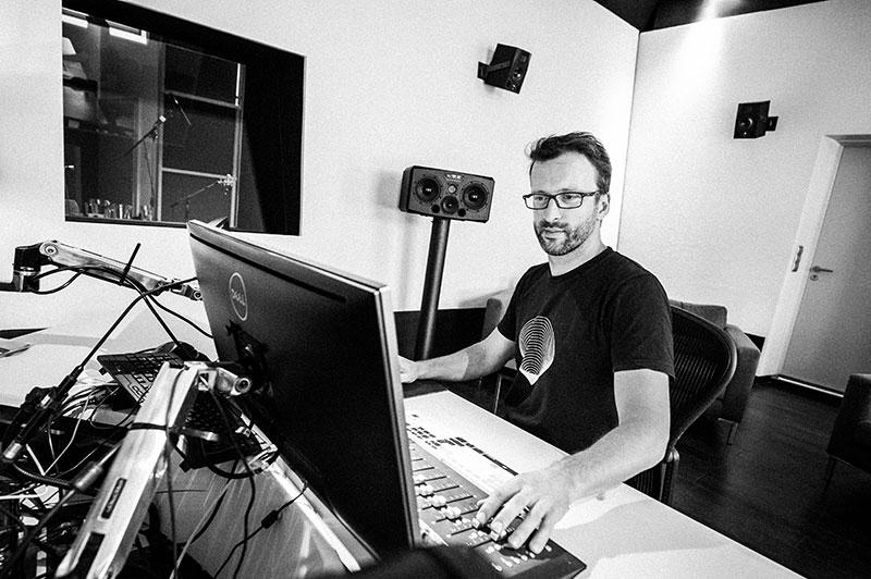 Michael Plöderl Mischtonmeister, Sound Designer, Sound Editor, Blautöne - Audiopostproduktion Tonstudio Wien