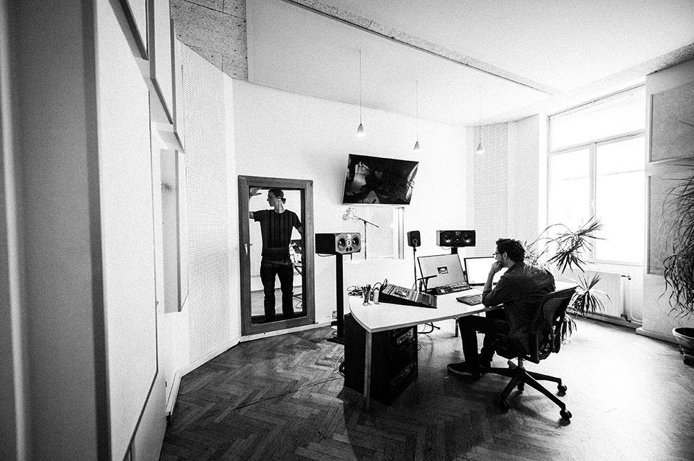 Studio 3 Sprachaufnahme | Voice Over | Tonmischung ISDN | Session Link | Source Connect Blautöne - Audio Postproduktion Tonstudio Wien