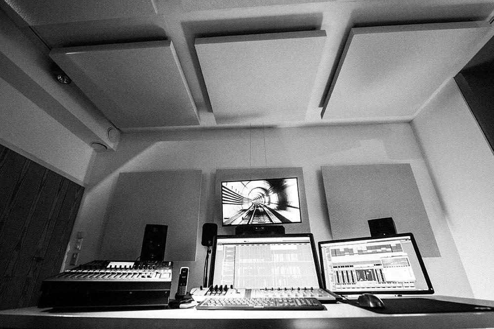 Studio 7 | Dolby 7.1 Editing & Mixing Suite Blautöne - Audio Postproduktion Sound Design | Sound Editing Tonstudio Wien
