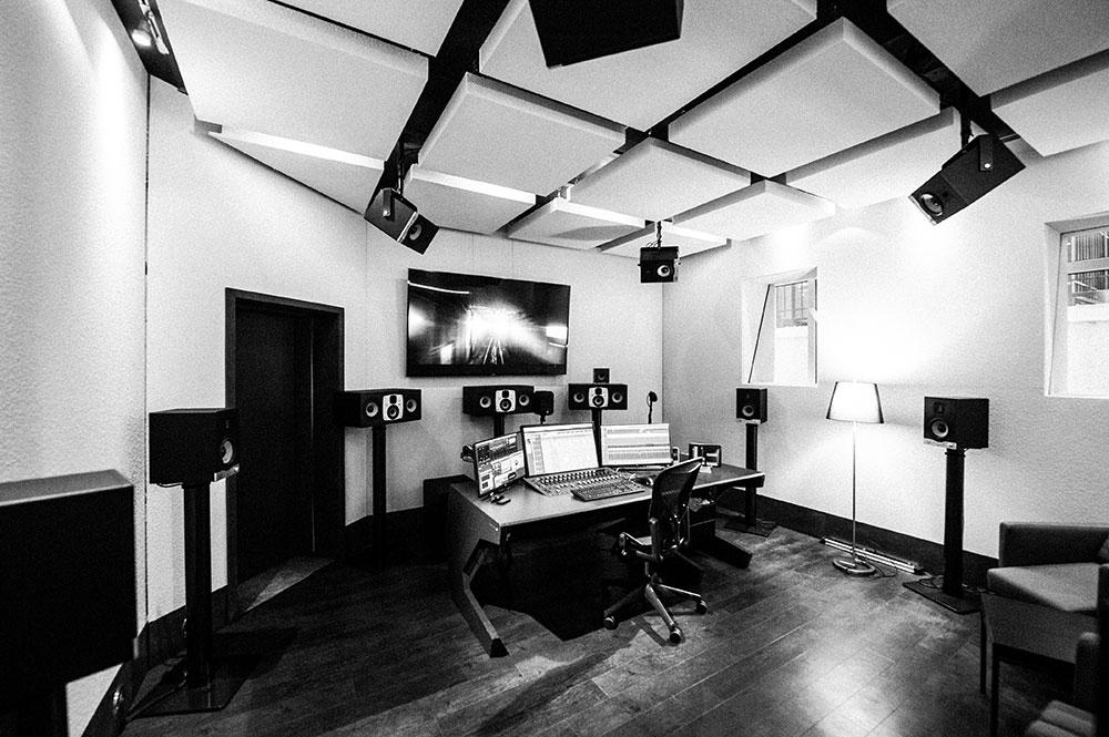 Studio 6 | Dolby Atmos Home Suite Blautöne - Audio Postproduktion Tonstudio Wien