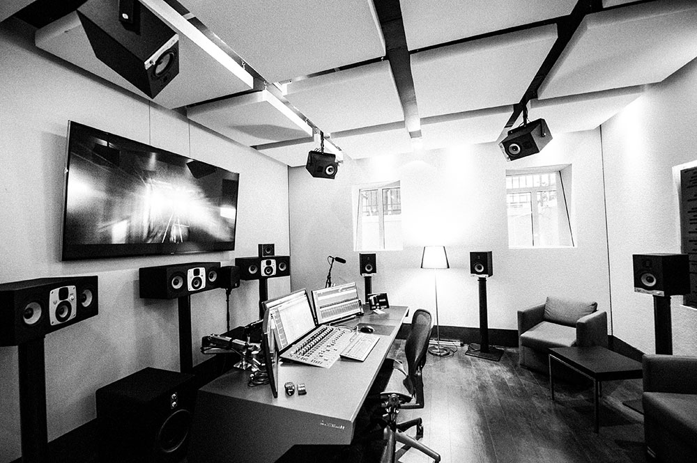 Studio 6 | Dolby Atmos Home Suite Blautöne - Audio Postproduktion Sound Design | Sound Editing Tonstudio Wien