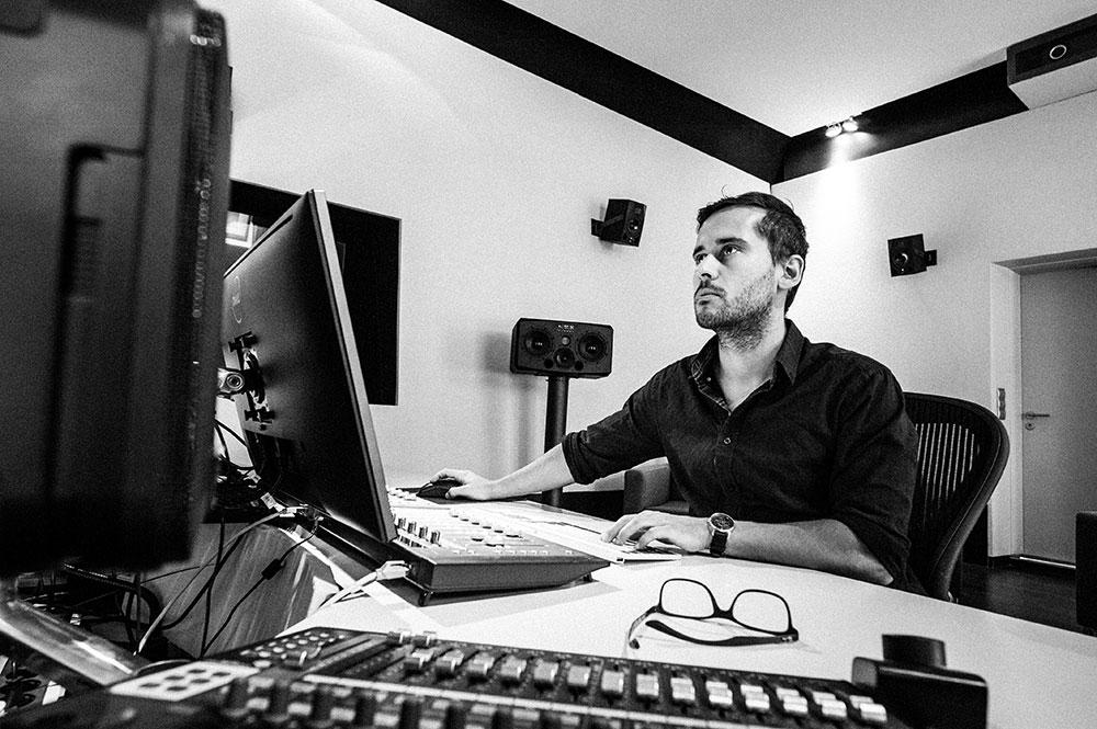 Studio 4 | TV Mischung | ADR und Voice Over | Sprachaufnahme Blautöne - Audio Postproduktion Tonstudio Wien