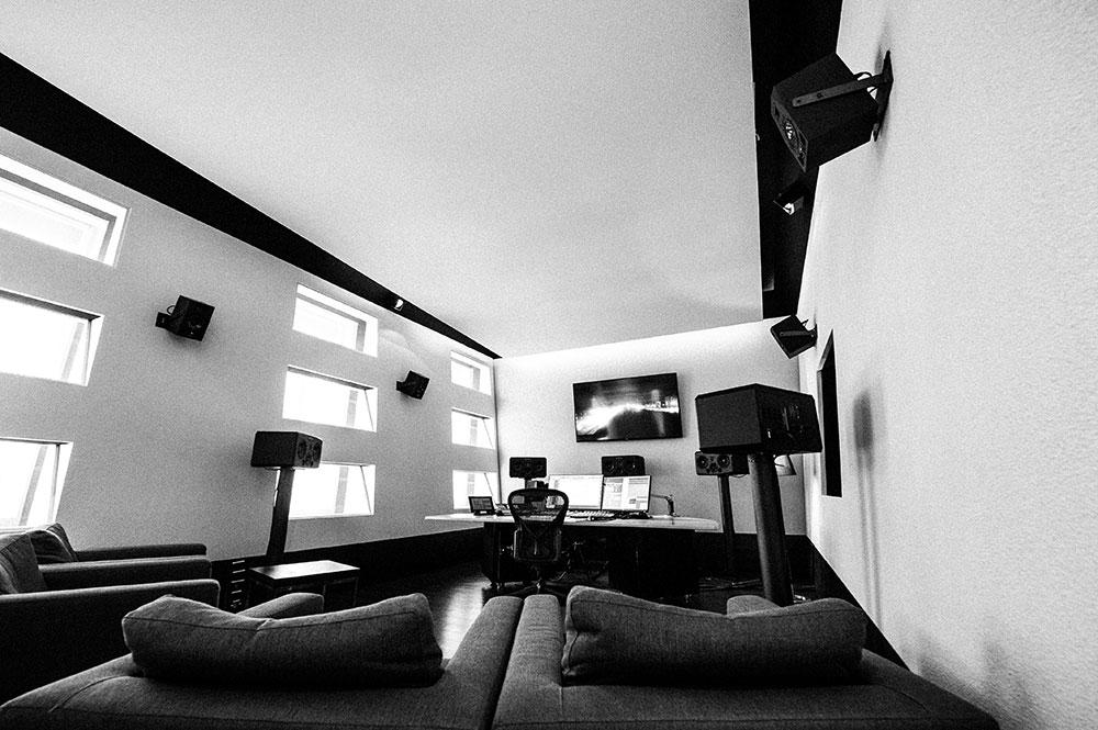 Studio 4   TV Mischung   ADR und Voice Over   Sprachaufnahme Blautöne - Audio Postproduktion Tonstudio Wien