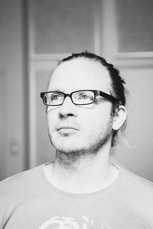 Günther Oberleitner Sound Designer, Sound Editor, Tonmeister Foley Recordist, Foley Mixer Blautöne - Audiopostproduktion Tonstudio Wien