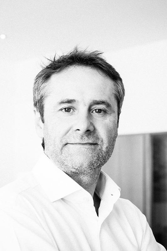 Thomas Kathriner Geschäftsführer, Tonmeister, Komponist Blautöne - Audiopostproduktion Tonstudio Wien