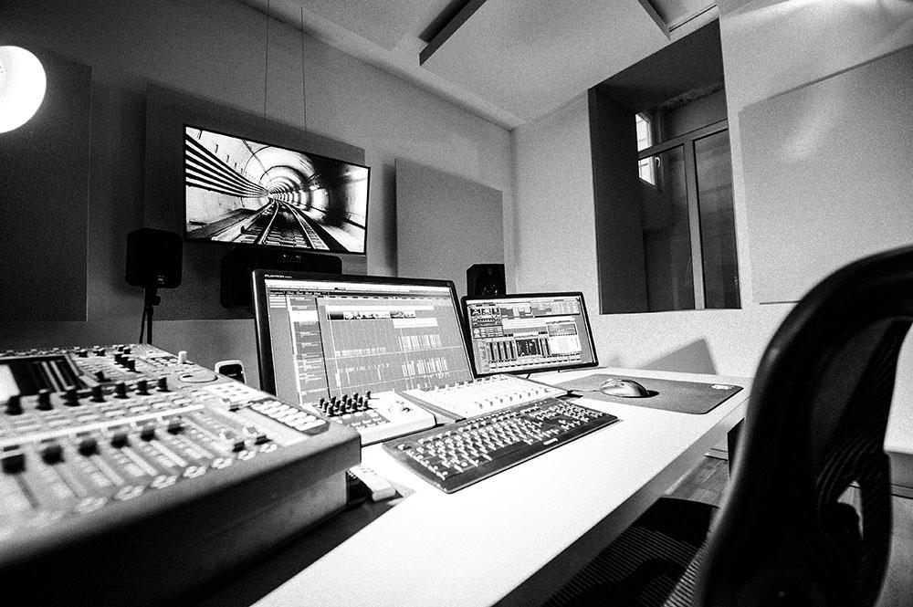 Blautöne Motion.Picture.Sound | Tonstudio Wien